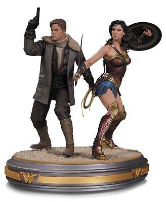 DC Collect. Wonder Woman Movie Statue 1/6 Wonder Woman and Steve Trevor 34 cm