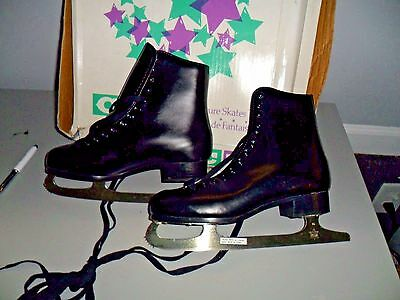 CCM  M-CO COMPETITOR MENS FIGURE SKATES SIZE: 7 new in box NICE