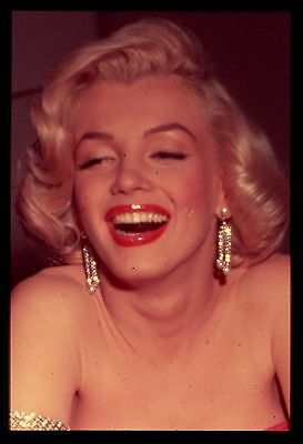 rare 35mm color transparency/slide candid photo marilyn monroe taken in 1953.