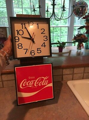 Vintage COCA COLA / COKE CLOCK ADVERTISING SIGN / Made in 1976 / WORKS!