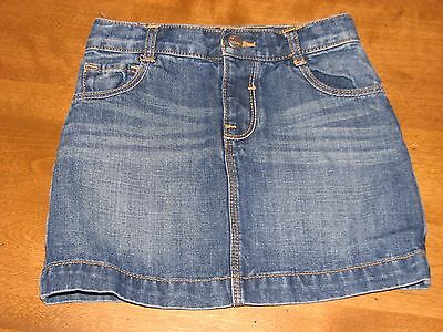 Girls Old Navy size 5T used denim skirt, excellent condition!