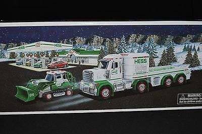New in Box 2006 Hess Toy Truck and Helicopter Operating Rotor and Lights