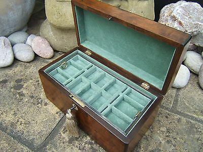 Lovely 19C Figured Inlaid Victorian Walnut Antique Jewellery Box - Fab Interior