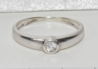 Beautiful 9ct White Gold 0.10ct Diamond Solitaire Ring - size K
