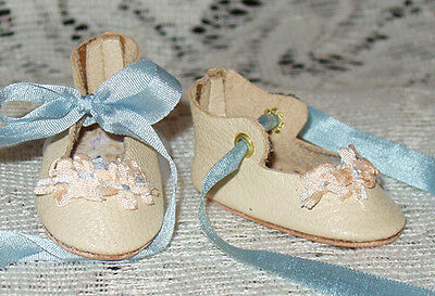 """Rosette"" 27 cm JN Body ~ Leather Doll Shoes ~FANCY Style~Ecru w/ Blue"