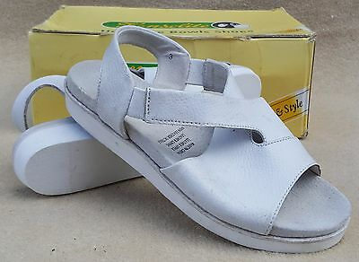 HENSELITE Ladies Beach Sandal White Bowlers Bowls Shoes UK 3 Dirty (24)