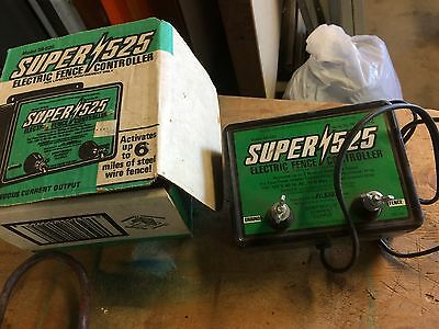 Super 525 Electric Fence Controller SS-525 6 miles in original box