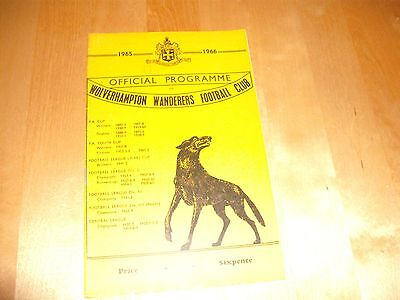 1965 - 1966 FA CUP 5TH RD WOLVERHAMPTON v MANCHESTER UNITED