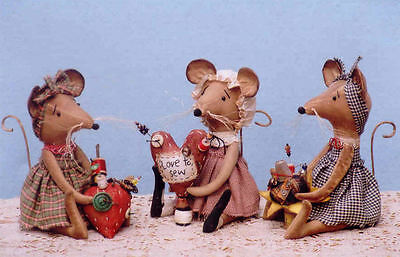 "*new* Cloth Folk Art (Paper) Pattern ""country Mouse Pin Keeps"""