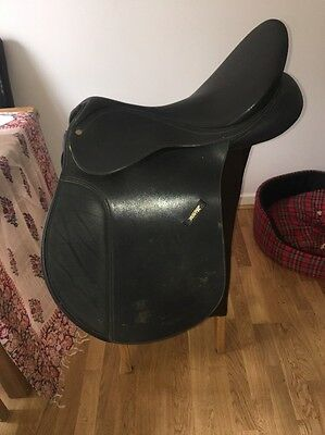 17.5  Black Wintec 500 Cair GP Saddle Changeable Gullet