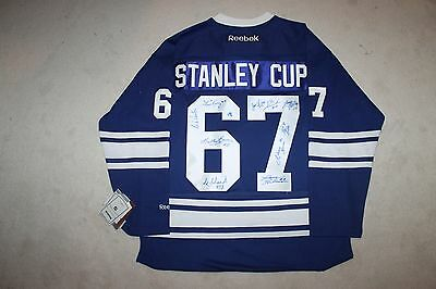 Toronto Maple Leafs 1967 Stanley Cup Team signed autograph Reebok Jersey NEW