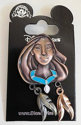 Disneyland Pin - Pocahontas with Feather Dangles