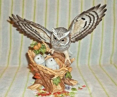 "Never displayed 1993 HOMCO ""Sheltering Wings"" Porcelain Owls figurine and base"