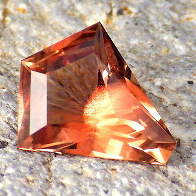 PINK SCHILLER OREGON SUNSTONE 2.63Ct FLAWLESS-FROM PANA MINE-FOR JEWELRY
