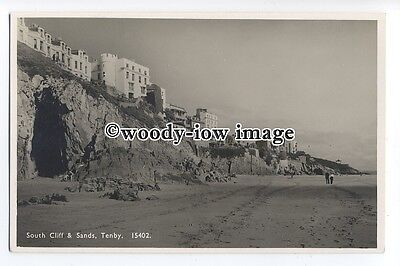 tq1376 - View across the South Sands, & Hotels on Cliff, at Tenby - postcard