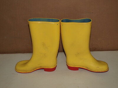 Vintage 1960's / 70's Children Yellow Wellingtons Size 10  Made In Great Britain