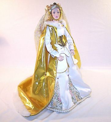 "Danbury Mint QUEEN GUINEVERE 20"" Porcelain Doll Legend of Camelot Collection"
