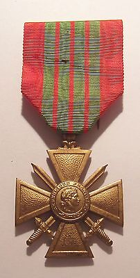 VINTAGE WW II French Croix de Guerre Military Medal GILT War Cross 1939