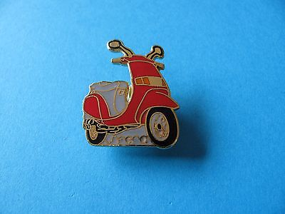 PIAGGIO Sfera SCOOTER pin badge. VGC. Red Enamel.