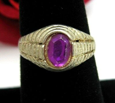 Purple Plastic GEM  RING Vintage In SILVERTONE Size 8 Costume Jewelry