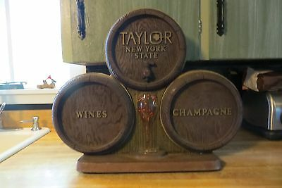 Taylor Wines&Champagne New York State bubbleing in motion glass barrels sign Vtn