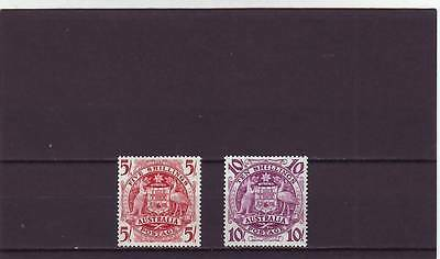 a101 - AUSTRALIA - SG224a-224b MM 1949 5/- & 10/- COMMONWEALTH COAT OF ARMS
