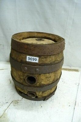 9699. Altes Holzfass Fass Bierfass Old wooden barrel