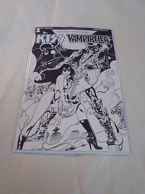Kiss Vampirella #1 Castro Black & White 1:10 Dynamite NM Comics Book