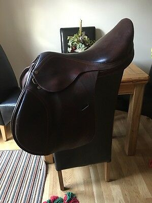 18 Inch Brown English Leather Comtel Close Contact Jumping Saddle Medium Width