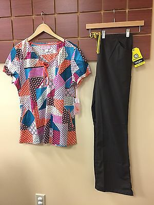 NEW Brown Print Scrubs Set With Koi Large Top & Wink Large Tall Pants NWT