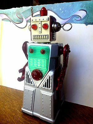 Vtg CHIEF ROBOTMAN 1959 Japan Tin Battery Operated Mystery Action Motion Robot