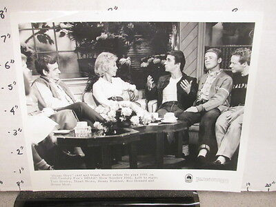 DINAH SHORE TV show promo photo 1970s HAPPY DAYS Ron Howard Henry Winkler cast