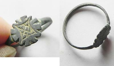 ZURQIEH -aa5593- BYZANTINE BRONZE RING WITH A CROSS. HOLY LAND. 700 - 800 A.D