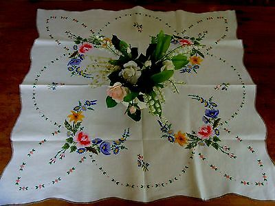 Vintage Linen Floral Tablecloth Rose Buds Gorgeous Raised Hand Embroidery