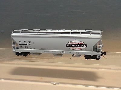 NEW YORK CENTRAL 3 BAY ACF HOPPER - Micro Trains N Scale  - 886025 / 93030
