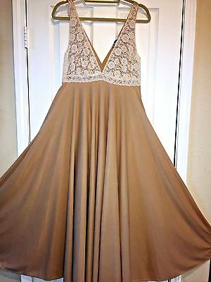 Vintage SARAMAE Silky Beige NYLON & Lace NIGHTGOWN Full Sweep sz S