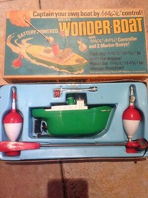 WRENN WONDER-BOAT with Magic Wand Controller and 2 Marker Buoys