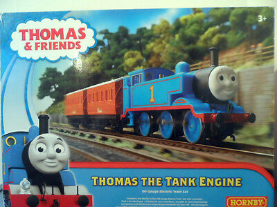 hornby thomas and friends r9283 thomas the tank engine train set