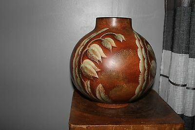 Gres Keramis Vase-Two-colour design with floral motifs - Later designer