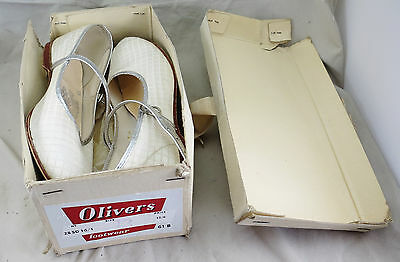 Vintage Boxed 1950s/60s Child (Bridesmaid?) Starjoys Shoes by Oliver's Footwear