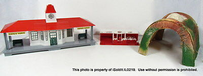 Lot 3 Vintage S Scale Train Tunnel, Ideal Noma Town Train Depot, Laundromat