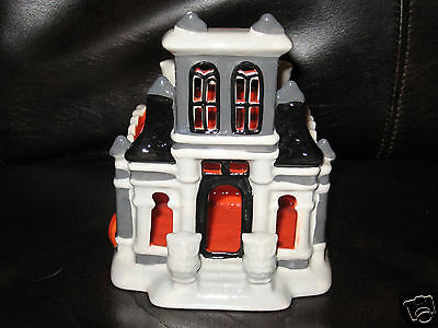 Bath & Body Works 2014 - Haunted House Soap Candle Holder Luminary Halloween