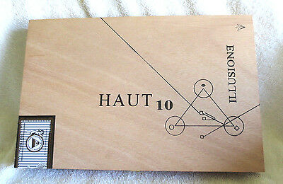Illusione Haut 10 Natural Wood Cigar Box - Beautiful!