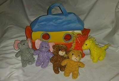 FAO Schwarz Baby Noah's Ark Plush Carry Boat Bag 6 Rattle Soft Animals Play Set