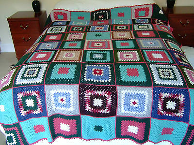 """Vintage Crochet Blanket/Bedcover/Throw.70""""x 80"""" (178cm x 204cm) Lovely Condition"""