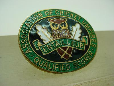 Rare Association of Cricket Umpires Enamel Pin Badge by Toye Kenning Spencer