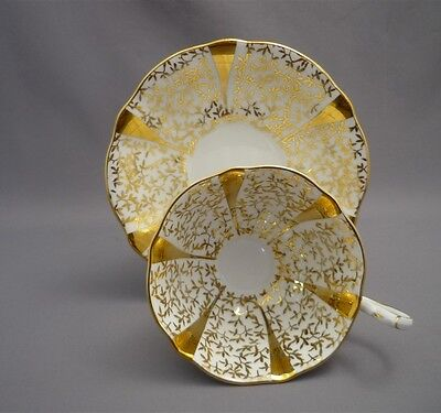 Queen Anne HEAVY GOLD LEAF IVY English Bone China FANCY Tea Cup & Saucer England