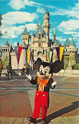 Disneyland Micky Mouse Welcome Vintage Postcard