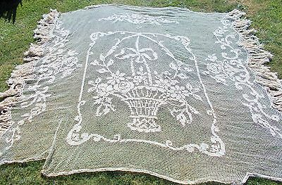 Stunning French Filet Lace Bed Cover / Counterpane Floral Design Great Condition