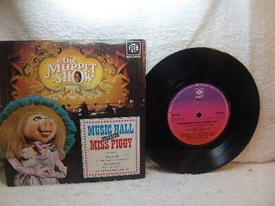 "Muppet Show Music Hall starring Miss Piggy 7"" single 1977 Pye 7NX 8004 PS"